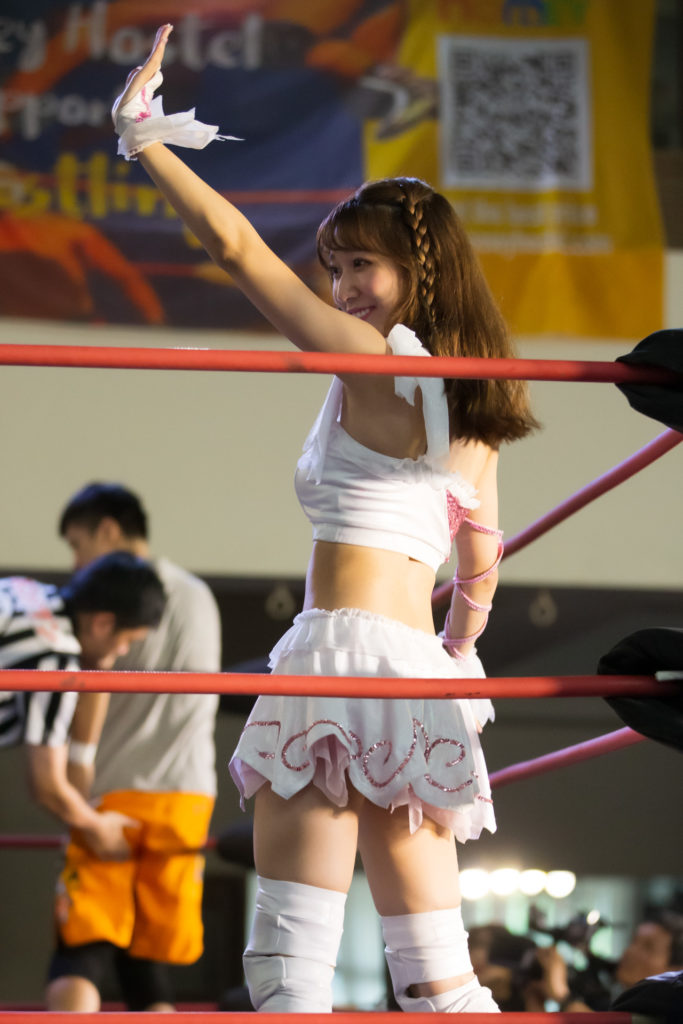 Riho respond to fans from the ring