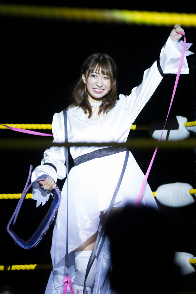 Filipino fans welcome Riho by many streamers