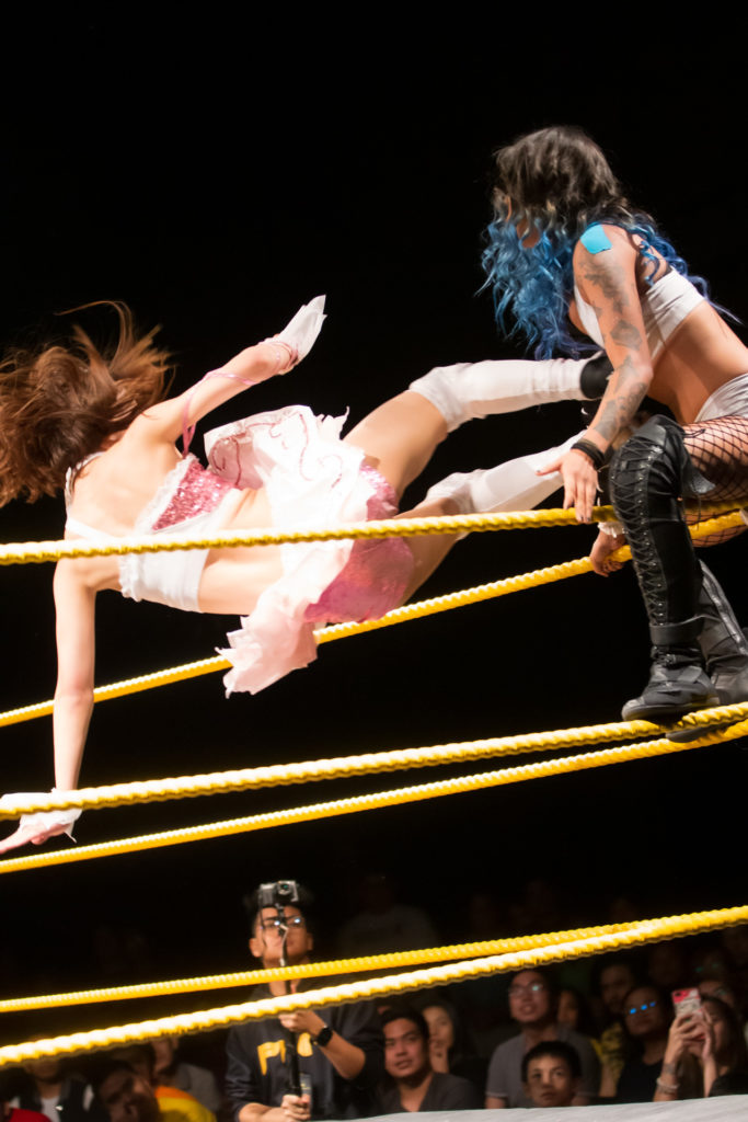 Riho shoot high flying dropkick to Crystal