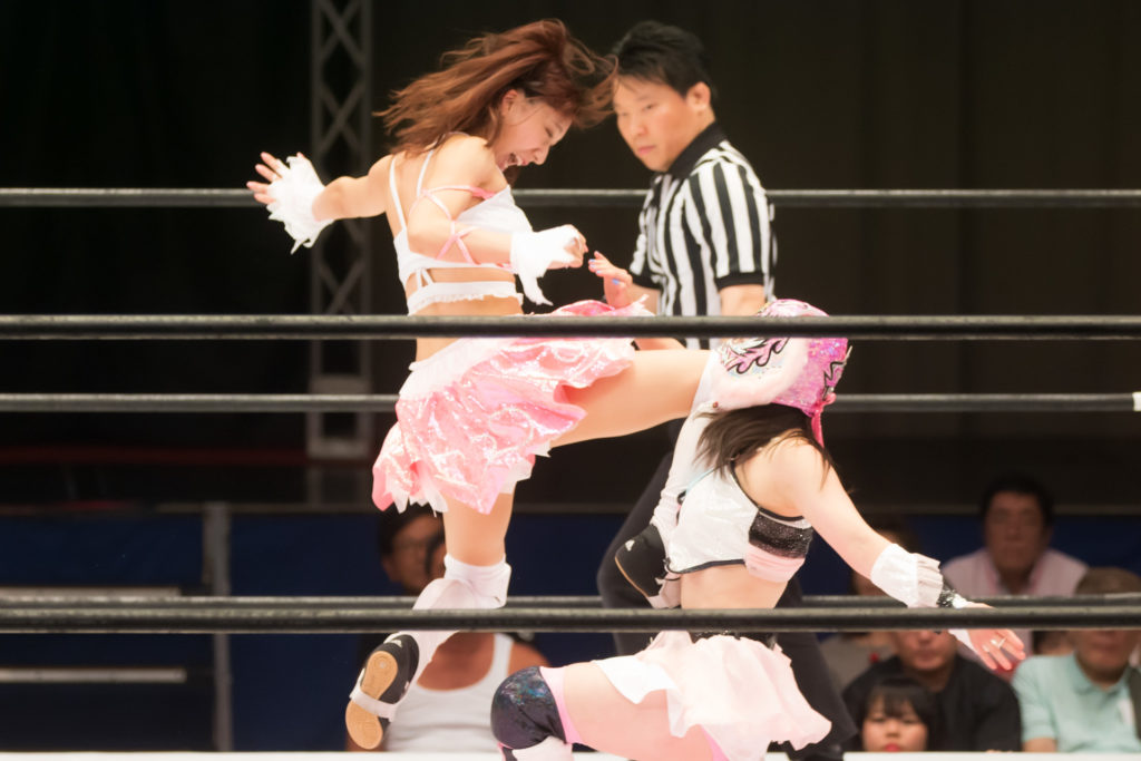 Knee Attack to Starlight Kid / Riho on STARDOM High Speed Championship match 05 (8/10/2019)