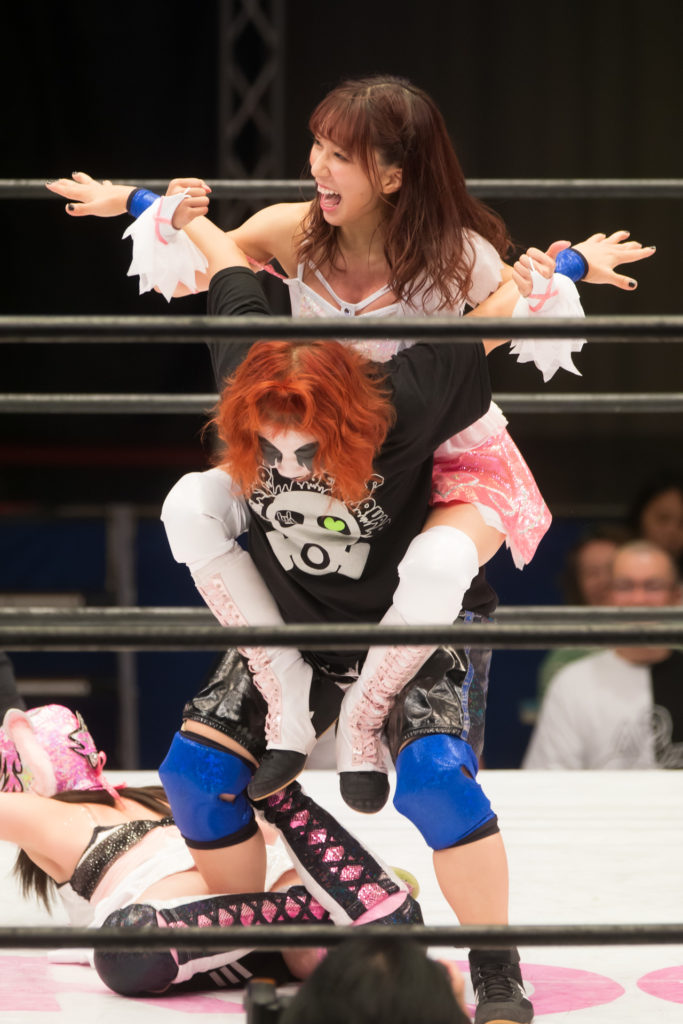 Capture DEATHyama-san in submission / Riho on STARDOM High Speed Championship match 06 (8/10/2019)